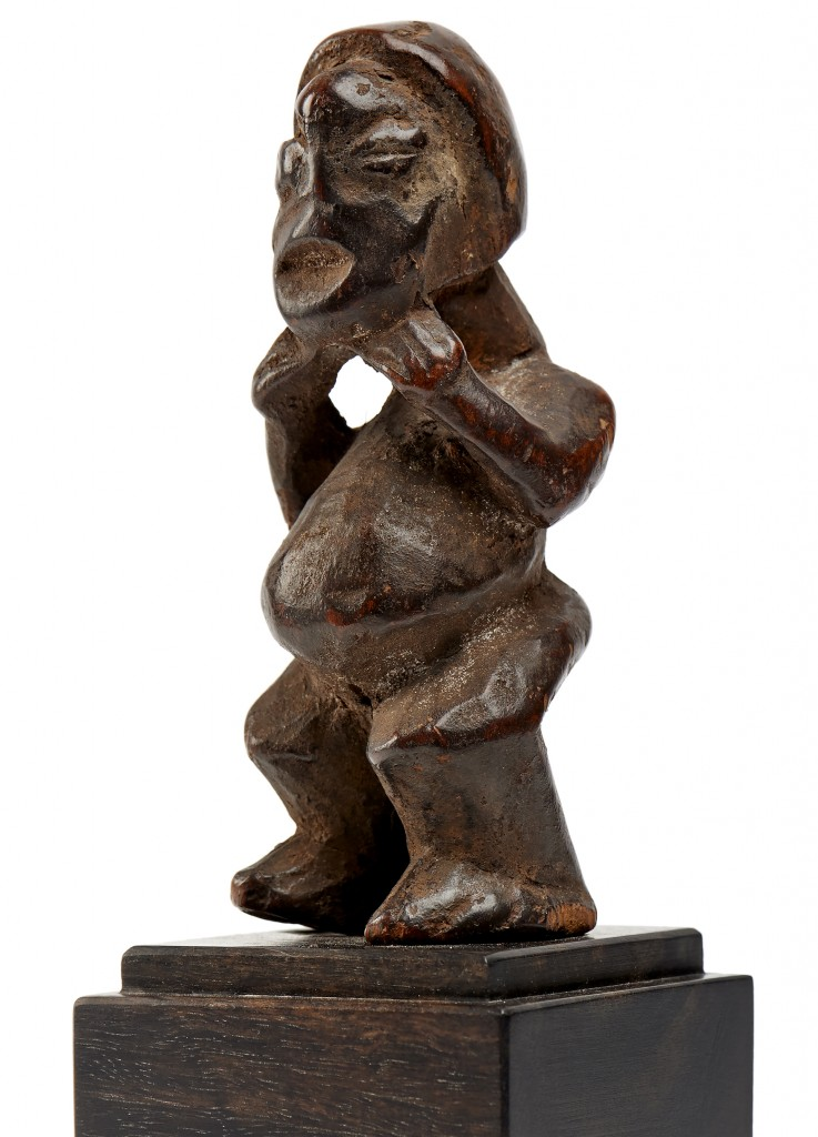 Native Bamileke figure mu po