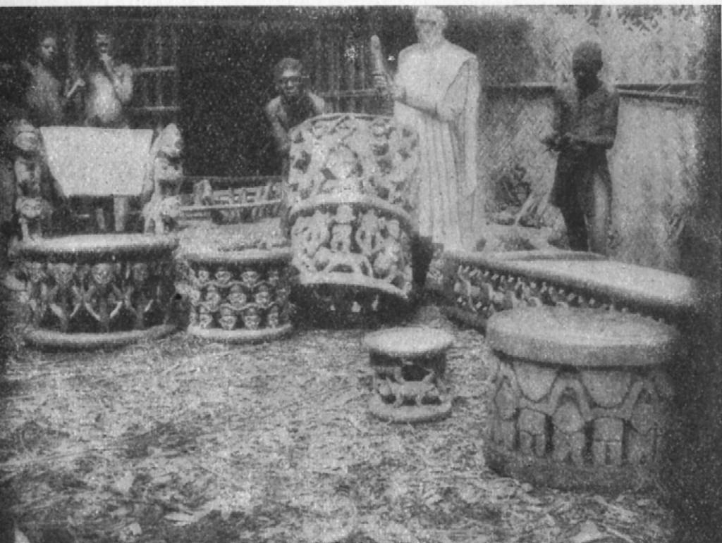 Foyn Phuonchu Aseh of Babanki-Tungo in his workshop. Published in Emonts (J.), Ins Steppen und Bergland Innerkameruns. Aus dem Leben und Wirken deutscher Afrika Missionare, Aachen, 1927: p. 219.
