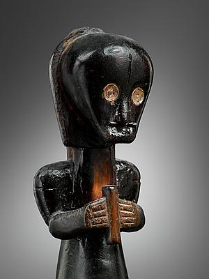 Fang figure, Gabon. Image courtesy of Lucas Raton.