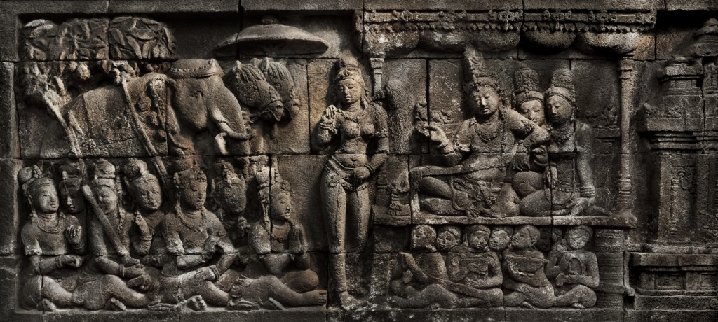 Detail of the Borobudur temple, Java. Image courtesy of Caroline Leloup & Hughes Dubois, 2014.