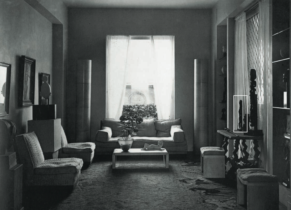 Helena Rubinstein's apartment on boulevard Raspail, c. 1930. At right, the Rubinstein Dan mask. Photograph by Dora Maar.