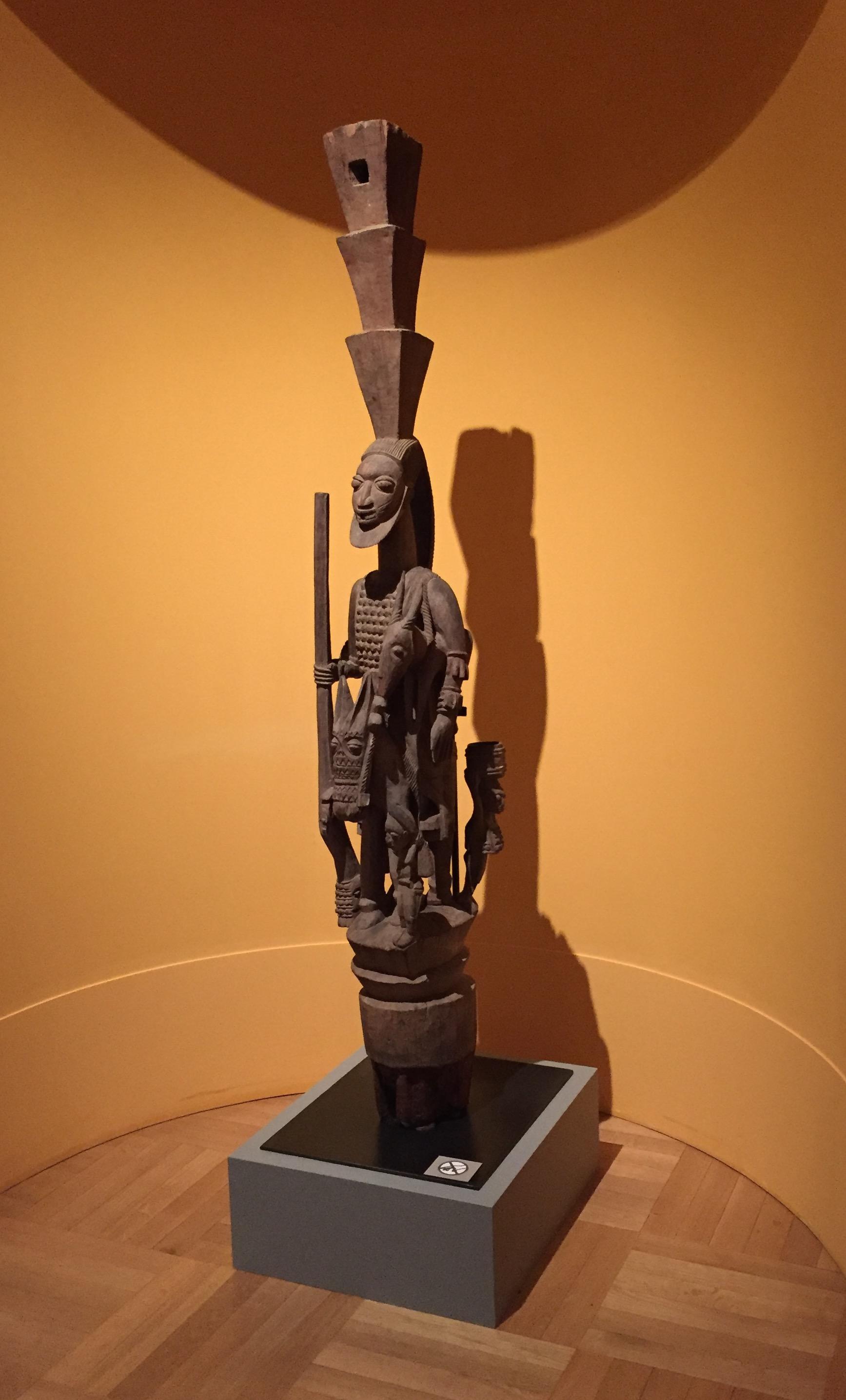 olowe-of-ise-housepost-yoruba-munich-museum-gerd-stoll-bruno-claessens