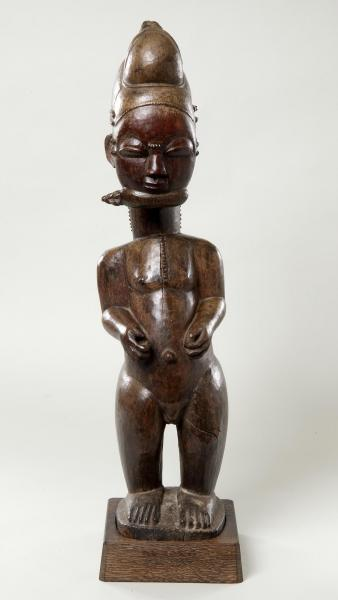 Baule figure. Height: 68 cm. Image courtesy of The Barnes Foundation (A221).