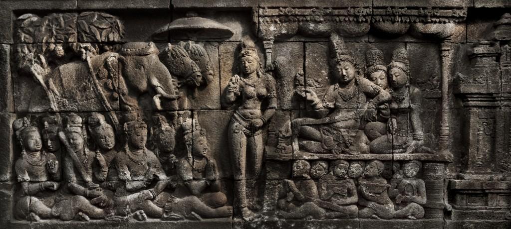 Detail of the Borobudur temple, Java. Image courtesy of Caroline Leloup & Hughes Dubois, 2014.
