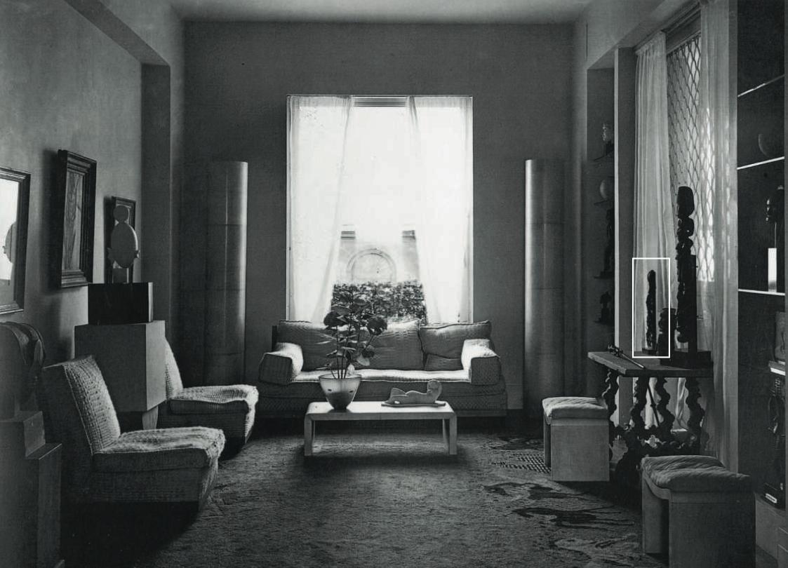 Helena Rubinstein's apartment on boulevard Raspail, c. 1930. At right, the Rubinstein Dan mask. Photograph by Dora Maar.